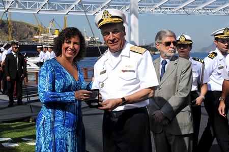 Lançamento da medalha aconteceu na Ilha de Mocanguê